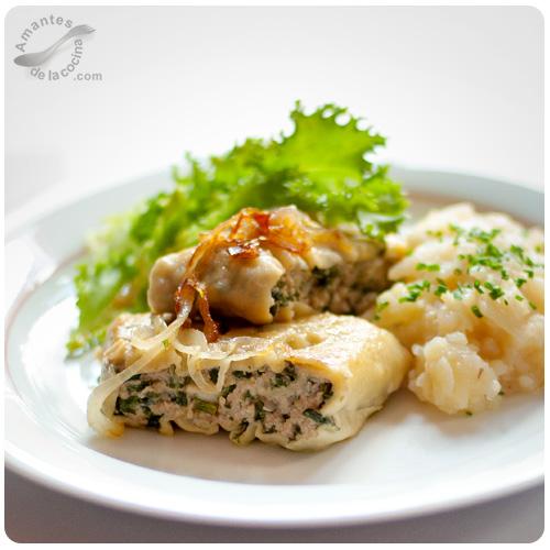 Ravioli abiertos o Maultaschen con ensalada de papas
